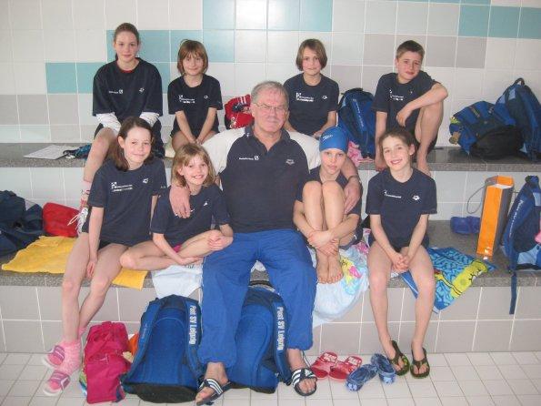 Rolf Dube mit seiner Trainingsgruppe 2010